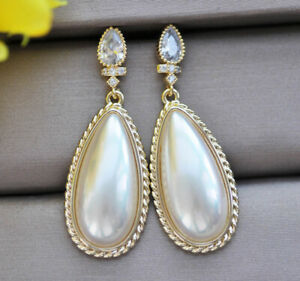Z11105 Lustre 26mm White Drop Shell Mabe Pearl Chain Dangle Earring CZ
