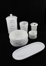 Accesorios de porcelana para baño Set de tocador 6 piezas. Estilo vintage.