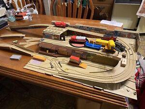 Hot Wheels RAILROAD Stow & Go Train Set Take Along Freight Yard