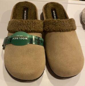Woolrich Women's Tan Slippers Size L ( 10-11 )