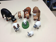 LOT DE 8 FIGURINES ANIMAUX DE LA FERME TAUREAU CHEVAUX