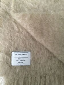 BNWOT THE WHITE  COMPANY LARGE BEIGE MOHAIR & LAMBSWOOL FRINGED THROW BLANKET