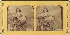 Scène de genre Jeune femme au panier Diorama Tissue Stereo Vintage ca 1860
