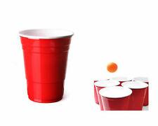 Tutto in plastica rossa per la tavola per feste e party