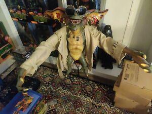 Neca Gremlins 2 Flasher Gremlin Stunt Puppet