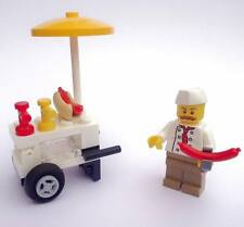 LEGO CITY - HOT DOG SHOP Minifigure and Hot dog stand accessories 60134