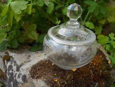 Sucrier bonbonnière XIXème en cristal décor coquille et fleurs St Louis Baccarat
