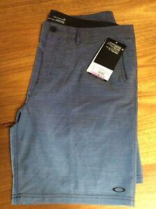 Oakley Walk Shorts Size 38 BNWT