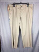 Dockers Men's Classic Fit Pleated Signature Khaki Pants perm crease Size 42 X 30