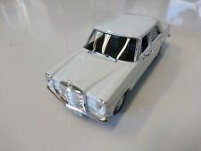 Mercedes W 115 1/43 DeAgostini Ixo URSS Voiture de l'Est CAR MODEL P103