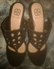 Daisy Fuentes sandals size 8 black embrodery Wedges