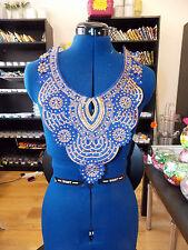Cristal azul cuello de encaje con lentejuelas en el pecho con apliques Motif marroquí árabe yugo asiáticos
