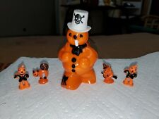 Vtg Rosbro Plastic Halloween Orange Snowman Candy Container w/ Pipe & toys