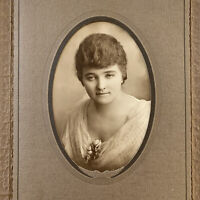 Antique/Vintage Trifold Photograph Beautiful Eyes Young Woman Dawson Boyd MN
