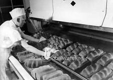 Photo 1944 Portland Oregon. Worker Baking Bread - Continental Baking Co.