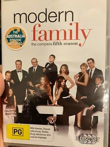 Modern Family Season 5 NEW/sealed region 4 DVD (3 discs) comedy tv series
