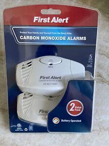 FIRST ALERT Carbon Monoxide Alarm 2 Pack  Plug in & Battery Back Up