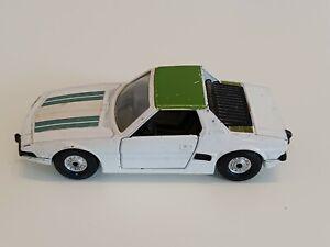 Alter Corgi Made in Gt Britain Scale 1/36 Fiat XI/9 in weiß grün ca 40 Jahre alt