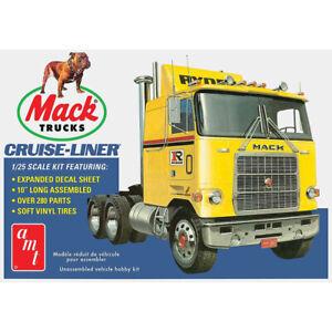 AMT 1/25 Mack Cruise-Liner Semi Tractor Model Kit