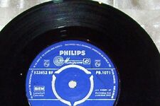 THE RAY CONNIFF  SINGERS  45 HERE COMES SANTA CLAUS   VG/CONDITION  YEAR 1959