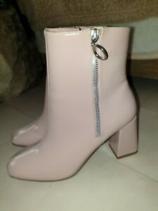 Ladies Pale Pink 60/70s Style Mid Calf Patent Finish Boots Sz7 BNWOB