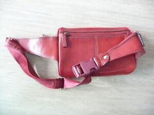 Sac banane - pochette de ceinture - Cuir rouge - DEGRE - Très bon état.