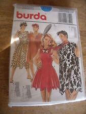 """3749  PATRON """"BURDA COSTUME  FEMMES ET HOMMES DES CAVERNES  TAILLE 36 AU 56"""