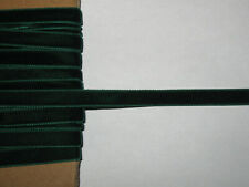 9 METRES DE RUBAN ANCIEN EN VELOURS VERT--9 mm DE LARGE--N°OCT84