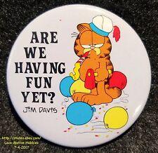 LMH Pin Button Brooch  1978 GARFIELD Cat JIM DAVIS Are We Having Fun Yet? Comics