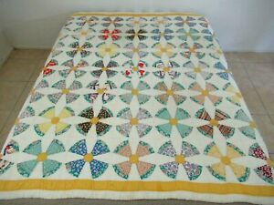 Vintage Feed Sack Novelty Prints Hand Sewn Nancy Cabot TEXAS TULIP Quilt