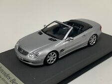 1/43 Minichamps Mercedes SL Class  R230 2001 in Silver on Leather base A1048