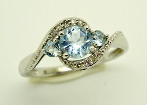 Stunning 9ct White Gold Aquamarine & Diamond Multi Stone Ring, Size L 1/2  1.57g