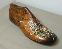 ANTIQUE FOLK ART - HANDPAINTED & DECORATED CARVED WOODEN SHOE LAST