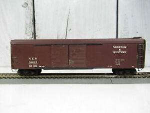 ATHEARN METAL N&W #52207 50' AUTOMOBL RD ROOF 4 DR BXCAR, METAL WHEELS KD'S