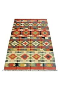 Hand Made Natural Jute and Wool Blend Area Rug with Fringe in Tan