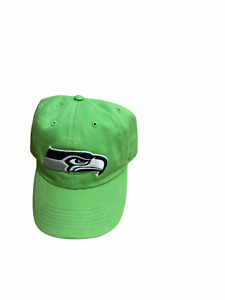 NWT New Seattle Seahawks Logo Fitted Hat Cap Size Large