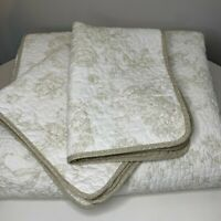 quilt and sham set queen coverlet bedspread tan white reversible tie back