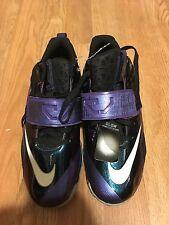 Nike CJ Trainer 2 Purple Glow Athletic Shoes 685351-001 Grade School Size 6Y