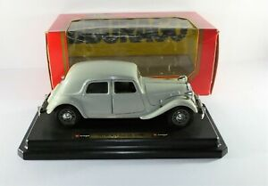 Burago CITROEN 15 CV TA 1938 1:24 scale diecast model diecast vintage car models