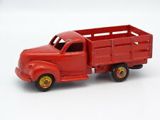 Dinky Toys F SB 1/43 - Studebaker Jardinero Rojo