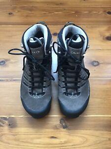 AKU women's hiking boots