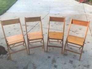 Set of Four Vintage Antique Oak Snyder Pennsylvania Folding Chairs
