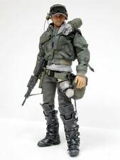 Hot Toys 1/6 The Terminator Sergeant Tech-Com DX 38416 Kyle Reese MMS01