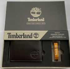 GENUINE BNIB TIMBERLAND BROWN LEATHER BIFOLD WALLET & METAL KEY FOB BOTTLE OPEN