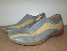 Clarks Walking Shoe Size 5 Leather Low Heel Casual Elastic Bridge