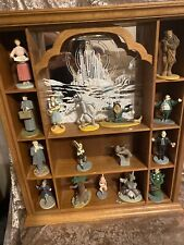 Franklin mint wizard of oz figurines with display shelf