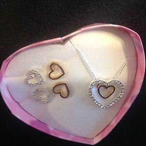 Kamela Gift Set - Heart Necklace & 2 pairs Earrings by Avon NEW in Heart box