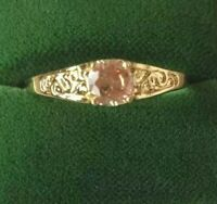 Vintage Jewellery Gold Ring with Champagne Sapphire Antique Deco Jewelry size T