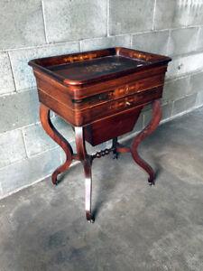 Antico ed Elegante Tavolino Carlo X Travailleuse - Restaurato (in corso d'opera)