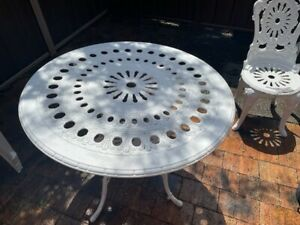 Vintage Cast Aluminium Outdoor Furniture Setting 4 Chairs & Table